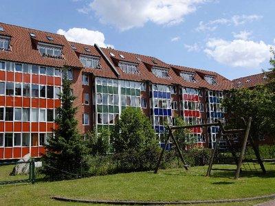 Vorschaubild des Vermietungs-Angebots 'Gemütliche 2-Zi-Whg mit ausgebautem Dachgeschoss!'