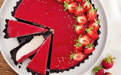 Vorschaubild für den Artikel 'Sommerliche Erdbeertarte mit Oreo-Boden'