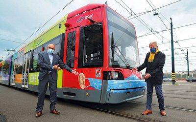 Vorschaubild für den Artikel 'Bus und Bahn mit Botschaft'