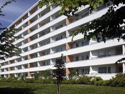 Vorschaubild des Vermietungs-Angebots 'Mit Aufzug und großen Balkon!'