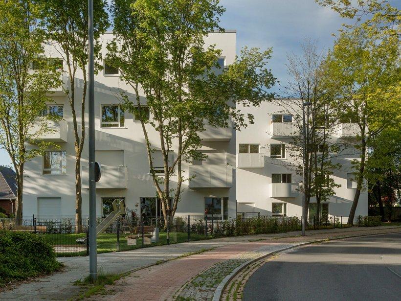 moderne Häuser im grünen